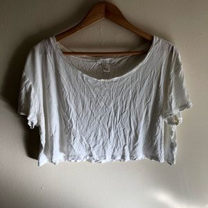 Cropped t-shirt - free with purchase!